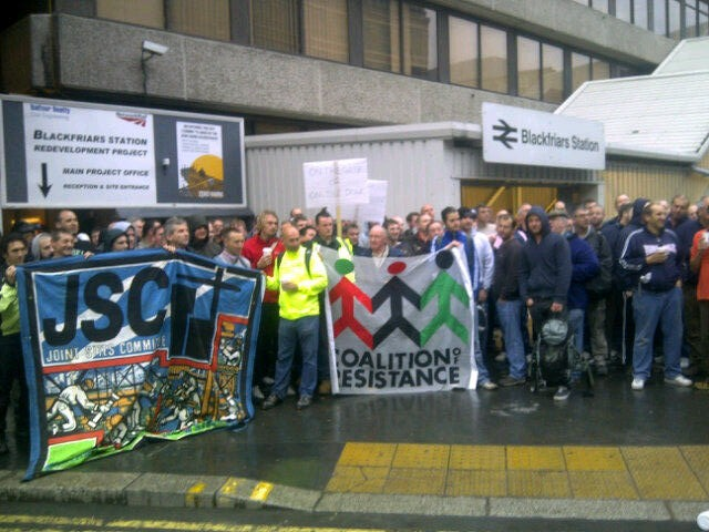 Mass picket over BESNA at Blackfriars tube, August 2011